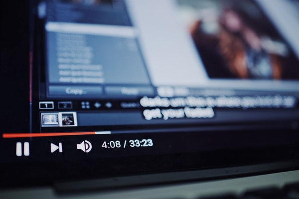 obrazek-youtube-tryb-ciemny
