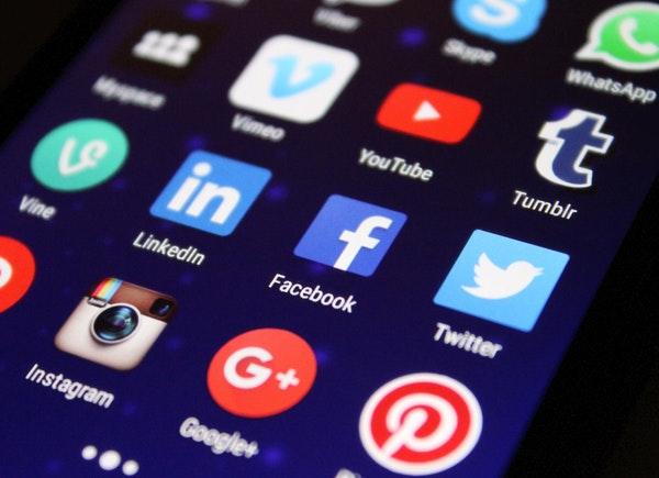 obrazek-sprawdz-czas-speczony-na-facebooku-instagramie-android