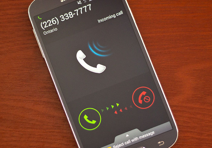 android-telefon-dzwoni-nieznajomy