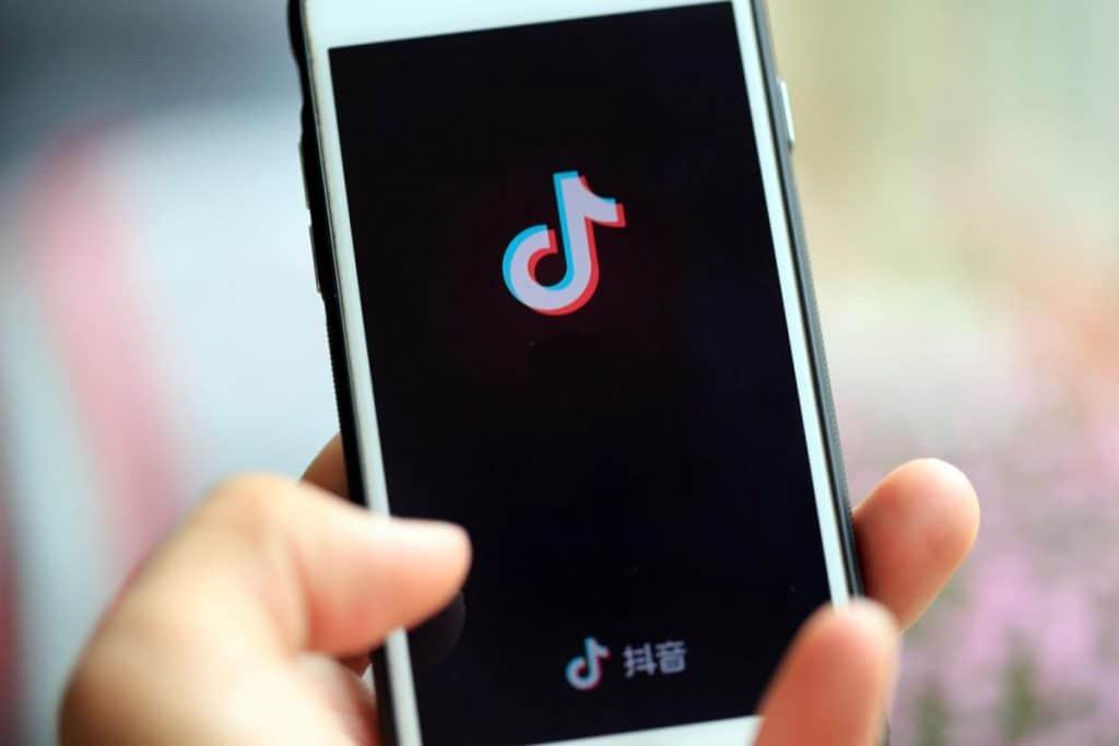 Najlepsze sposoby na pobranie filmików z TikToka na Androida
