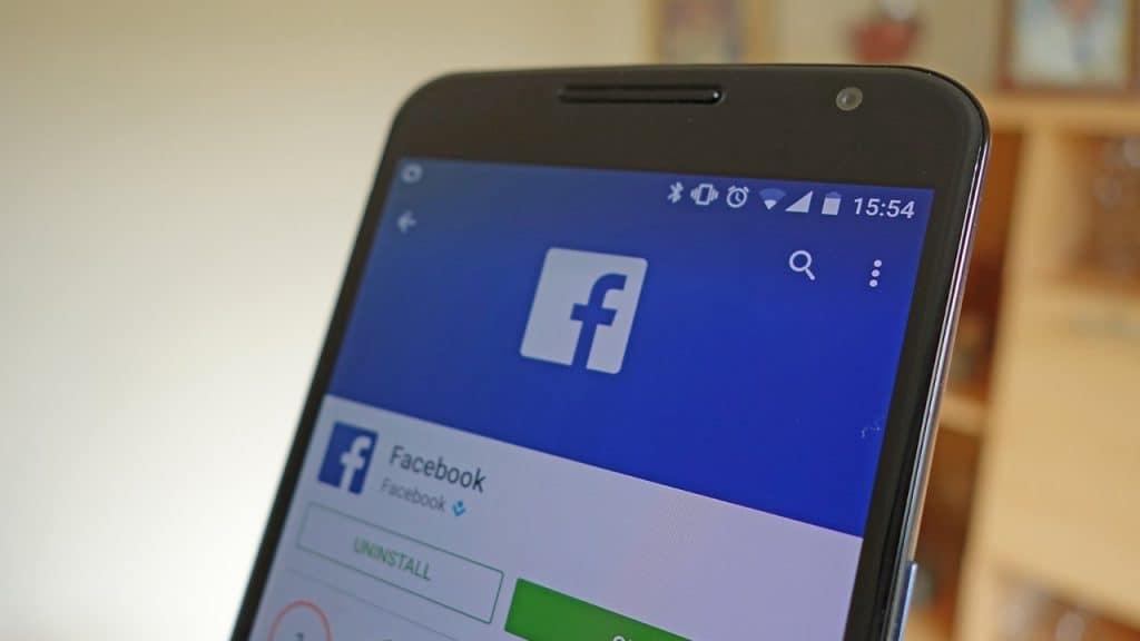 Jak otrzymywać powiadomienia o nierozpoznanych logowaniach do Facebooka