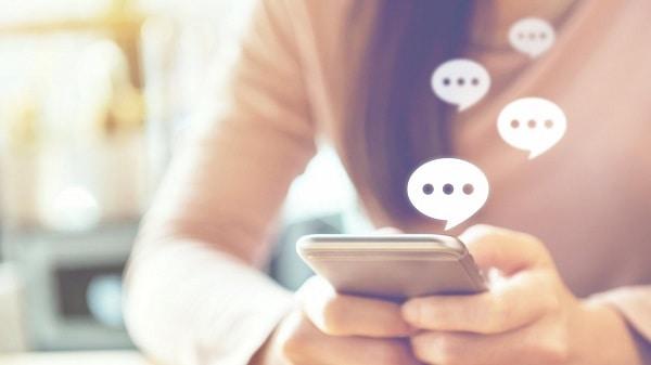 Cum setezi aplicația implicită de mesagerie pe Android