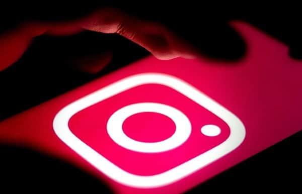 Cum pui link-uri la postările și story-urile de pe Instagram