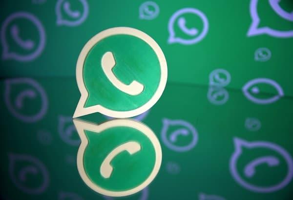 Cum schimbi culorile emoji-urilor de pe WhatsApp