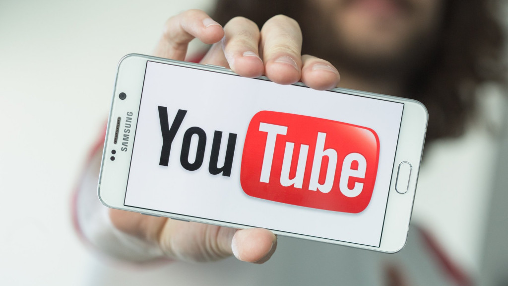 "image of ""วิธีการเล่น YouTube ในขณะที่ปิดหน้าจอ"""