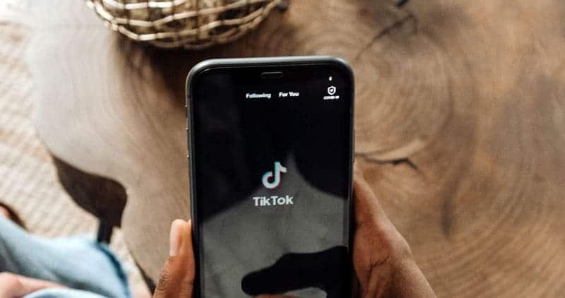 เบื่อ TikTok แล้ว ลองดูแอปทางเลือกที่ดีที่สุดสำหรับแอนดรอยด์