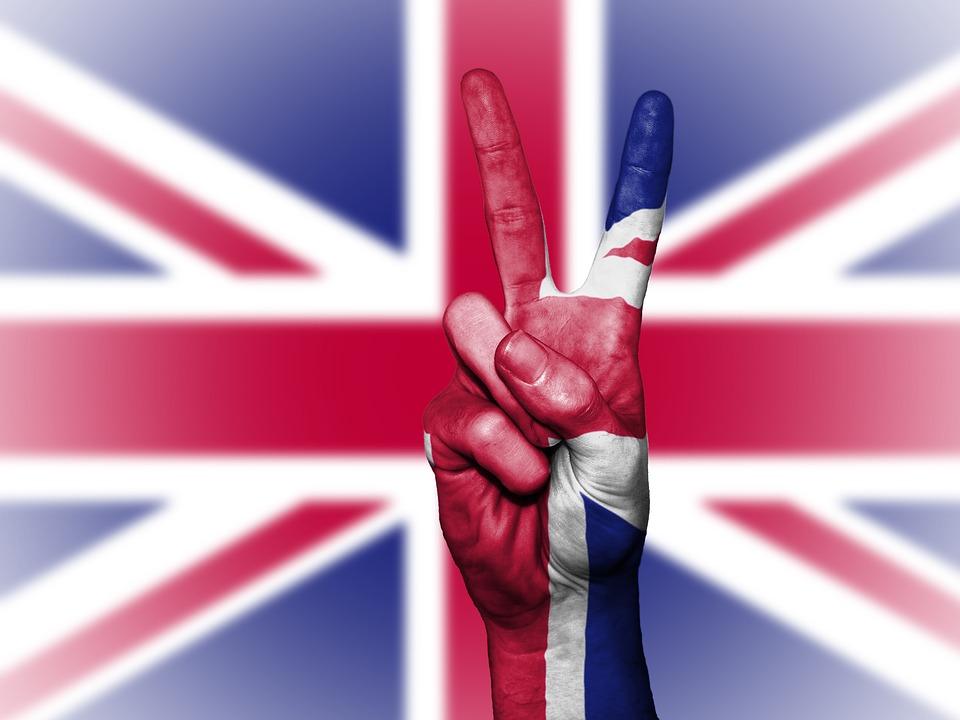 Image for Θέλετε να μάθετε αγγλικά με έναν εύκολο και διασκεδαστικό τρόπο; Ρίξτε μια ματιά στις παρακάτω εφαρμογές που συγκεντρώσαμε για εσάς! Στις μέρες μας, η αγγλική γλώσσα είναι απαραίτητη για την εργασία, τα ταξίδια μας, αλλά και τη διασκέδασή μας. Ένας εύκολος τρόπος να μάθετε αγγλικές εκφράσεις και λέξεις είναι μέσω των τραγουδιών που ακούτε ή των ταινιών που βλέπετε. Η ομάδα του AndroidList συγκέντρωσε και σας παρουσιάζει παρακάτω τις πέντε καλύτερες εφαρμογές που κάνουν ακριβώς αυτή τη δουλειά: σας βοηθούν να μάθετε αγγλικά μέσω τραγουδιών και ταινιών! Βρείτε αυτήν που σας ταιριάζει και κατεβάστε τη δωρεάν με ένα κλικ στο κινητό σας! LyricsTraining: Learn Languages with Music LyricsTraining: Learn Languages with Music Η πρώτη εφαρμογή που σας προτείνουμε είναι το LyricsTraining που κάνει ότι ακριβώς λέει το όνομά του: σας βοηθά να μάθετε αγγλικά μετά μουσικής. Ακούστε τα αγαπημένα σας τραγούδια, μάθετε το νόημα των στίχων και απαντήστε σωστά στα διασκεδαστικά κουίζ της εφαρμογής. Επιπλέον, η εφαρμογή σας επιτρέπει να μάθετε κι άλλες γλώσσες, όπως ισπανικά ή πορτογαλικά. Λήψη Ασφαλής Λήψη Lyric Training (Learn English) Lyric Training (Learn English) Πρόκειται για μια επίσης διασκεδαστική εφαρμογή που θα σας βοηθήσει να μάθετε αγγλικά με τα αγαπημένα σας τραγούδια. Το εύχρηστο αυτό εκπαιδευτικό εργαλείο παρουσιάζει του στίχους των αγαπημένων σας τραγουδιών και στη συνέχεια σας καλεί να συμπληρώσετε τα κενά με την κατάλληλη λέξη, βοηθώντας σας έτσι να μάθετε ορθογραφία, αλλά και το νόημα της κάθε λέξης. Λήψη Ασφαλής Λήψη Learn English with Music Learn English with Music Με τον ίδιο περίπου τρόπο λειτουργεί και αυτή η εφαρμογή εκμάθησης γλωσσών. Αφού κάνετε εγκατάσταση της εφαρμογής, μπορείτε να αναζητήσετε τους στίχους των αγαπημένων σας τραγουδιών, και να μάθετε το νόημά τους τους καθώς τα ακούτε στο κινητό σας. Εμπλουτίστε το λεξιλόγιό σας με νέες λέξεις και εκφράσεις, βελτιώστε την προφορά σας και μάθετε αγγλικά εύκολα και γρήγορα! Λήψη Ασφαλής Λήψη Voscree