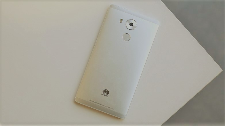 AndroidPIT-huawei-mate-8-back-new-w782