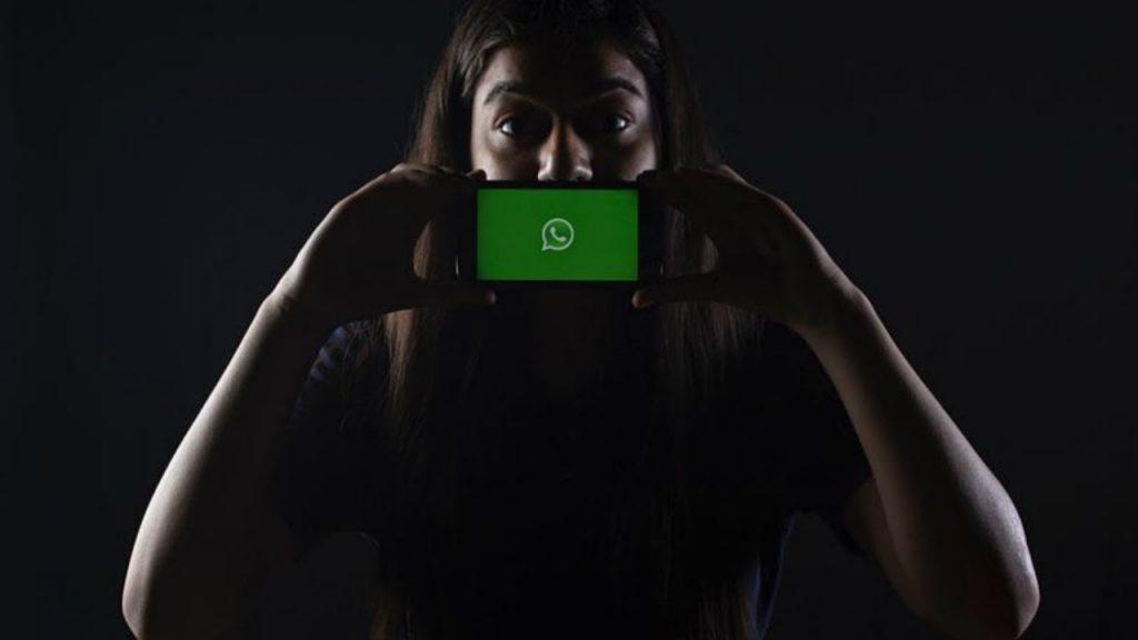 ¿Cómo activar el nuevo modo oscuro en WhatsApp?