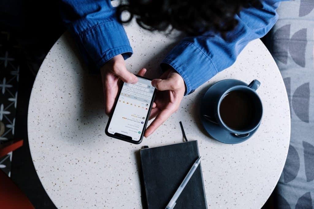 Cómo pasar las conversaciones de WhatsApp entre móviles Android y iPhone