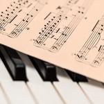 5 Aplikasi Lirik Android Terbaik untuk Pencinta Musik: Genius, QuickLyric