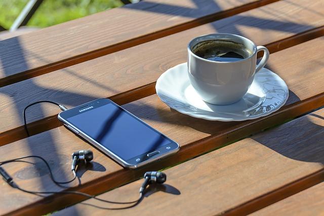 Image 1 Aplikasi Android Terbaik untuk Mendengarkan Musik tanpa WiFi atau Sambungan Data