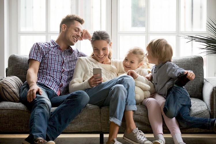 Image 1 Hilangkan Stres Keluarga Anda selama Ketidakpastian Virus Corona dengan Aplikasi Hiburan Ini