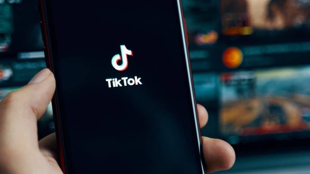 Cara Mengaktifkan Mode Gelap di TikTok untuk Android