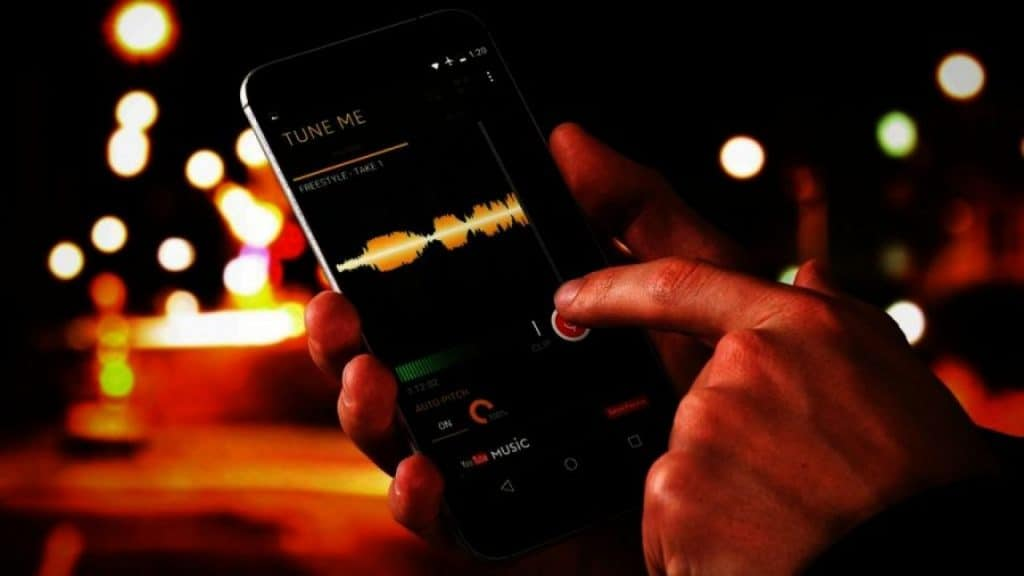 Image 1 Aplikasi Auto Tune Terbaik untuk Android yang Harus Anda Coba