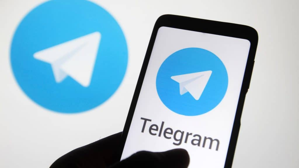 Cara Mengganti Tema Chat Individual di Telegram