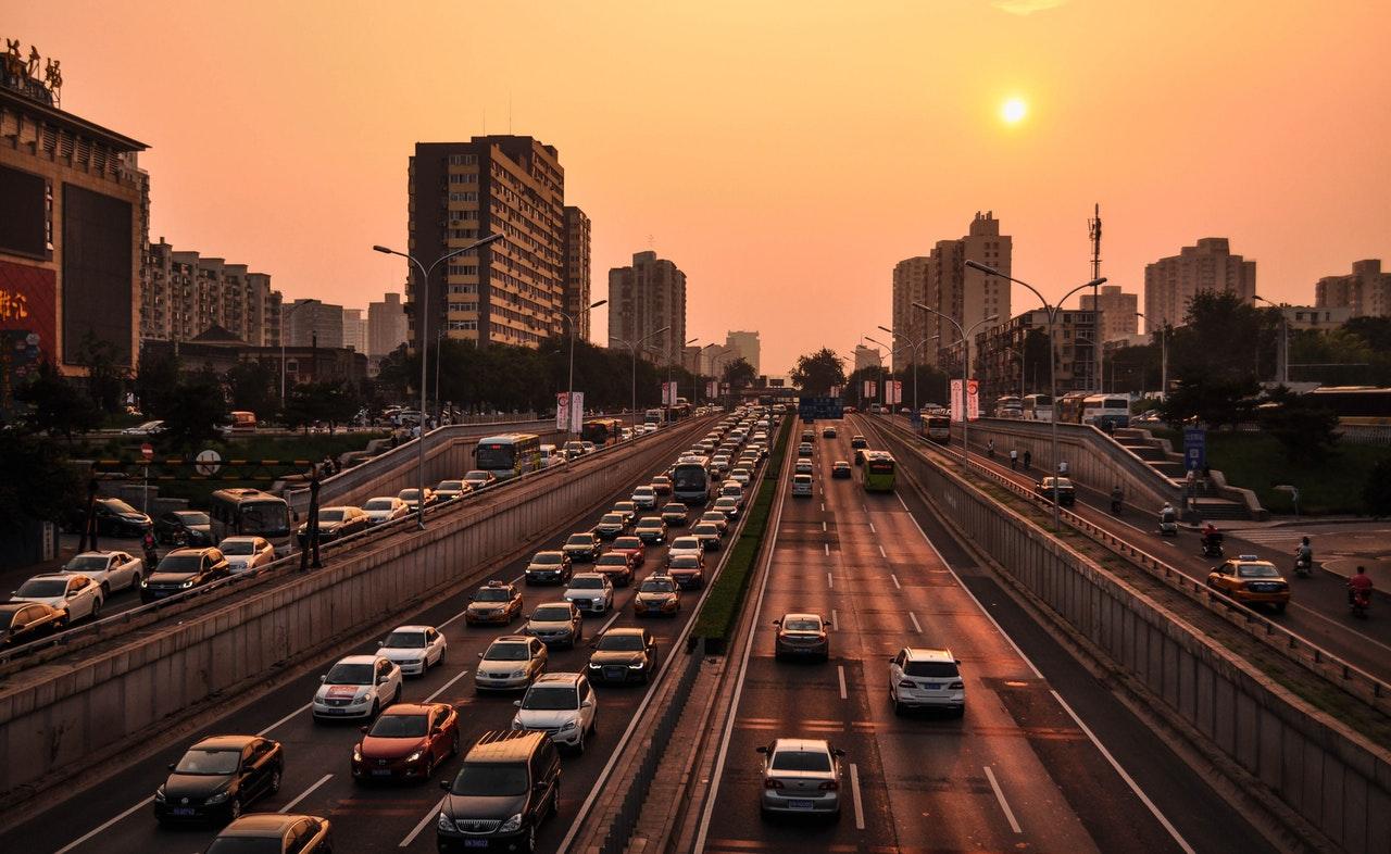 image de 5 applications pour éviter les embouteillages