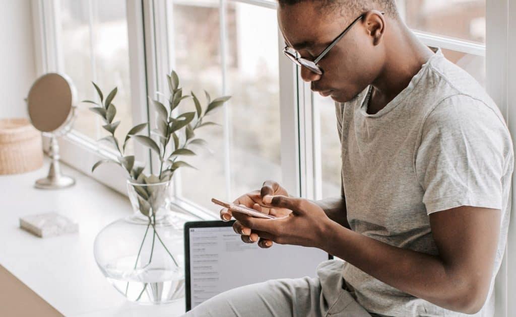 Comment bien écouter les messages audio sur WhatsApp