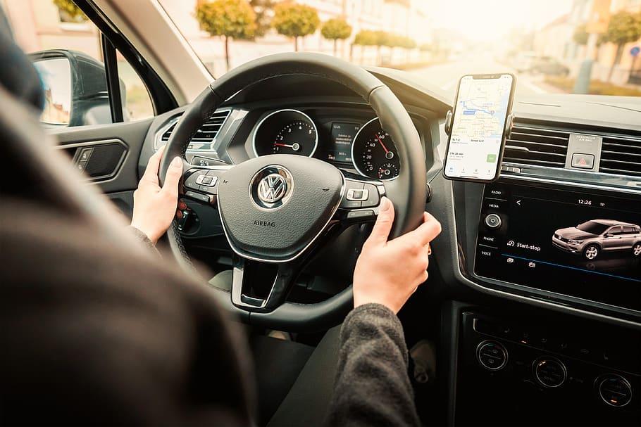 Le 5 migliori applicazioni Android da scaricare sul tuo dispositivo per i tuoi viaggi in auto!