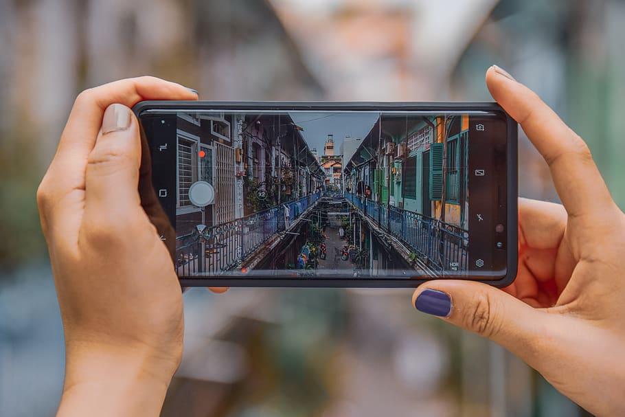 Come scoprire dove è stata scattata una foto sul tuo dispositivo Android dalle impostazioni