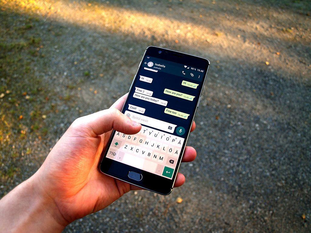 WhatsApp: nuove features e controlli per i messaggi inoltrati per dispositivi Android