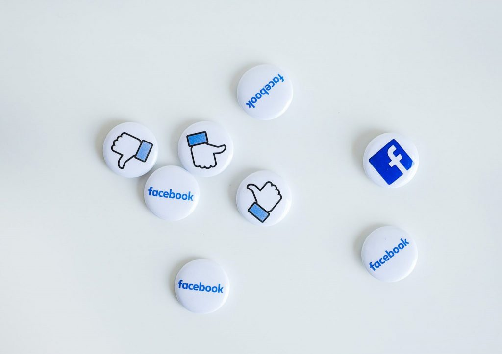 Come rimuovere i like dai post, su Instagram e Facebook, con i propri dispositivi Android