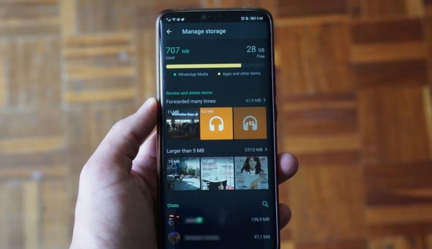 """WhatsApp migliora la funzione """"Gestizi spazio"""": ecco come funziona sui dispositivi Android"""