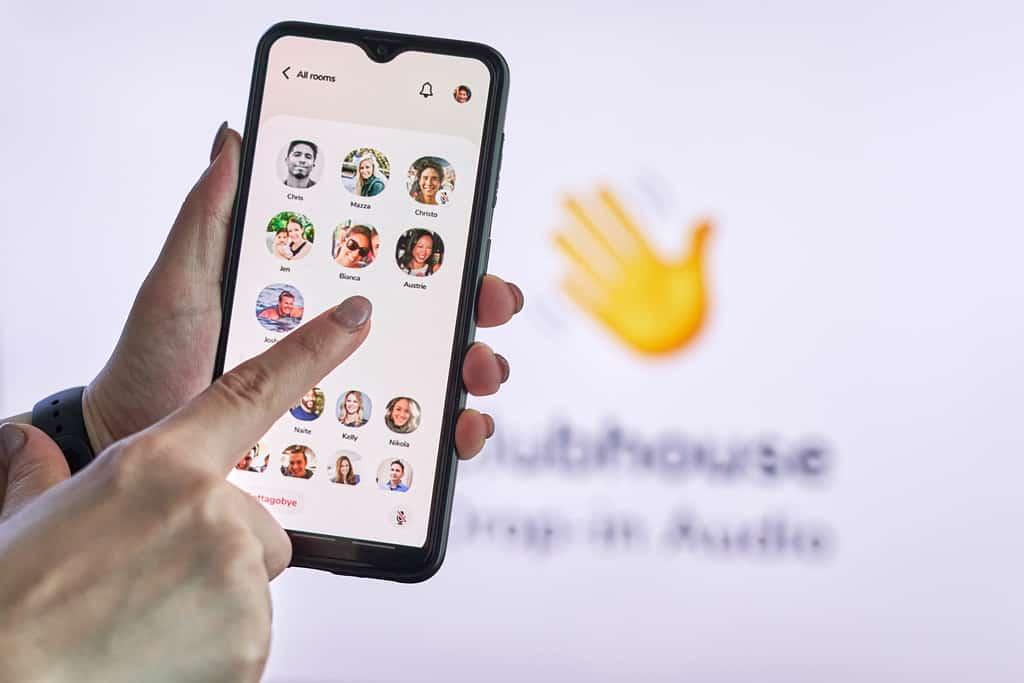 Le migliori app con stanze virtuali per farsi nuovi amici online!