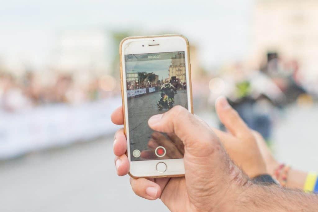 Come creare video e GIFs in stile iPhone sul tuo Android!