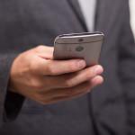 Wie man Facebook und WhatsApp Chats verbergen kann
