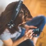 Топ пять лучших подкаст-приложений для изучения иностранных языков: Pocket Casts, Podcast Republic, Podcast Addict